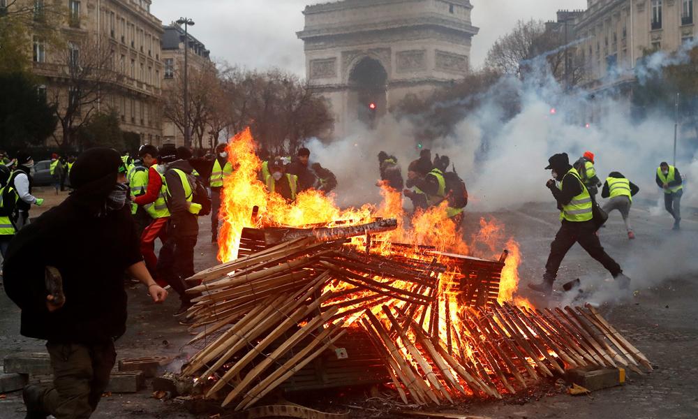 احتجاج میں فرانسیسی ریٹیلرز کو 1بلین یورو کا نقصان ہوا