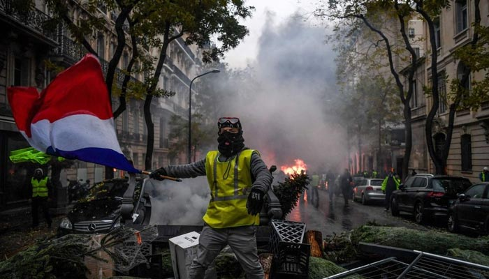 فرانس میں مظاہرے جاری، 731افرادزیر حراست