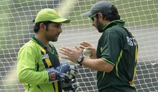 Afridi Advised Sarfraz To Leave Test Cricket
