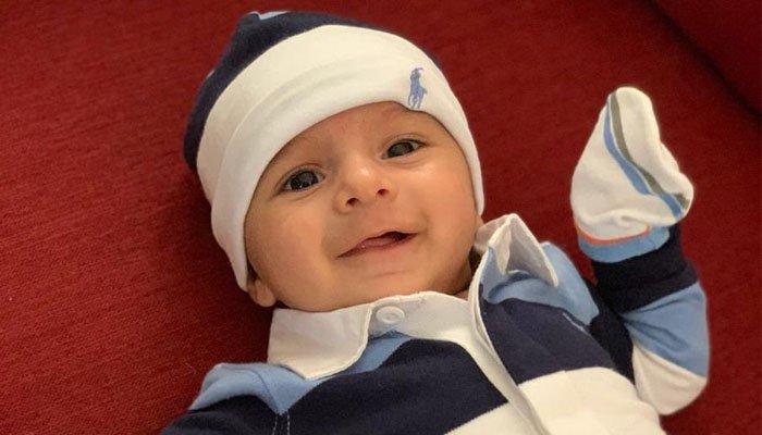 شعیب ملک نے اپنے بیٹے کی پہلی تصویر جاری کر دی
