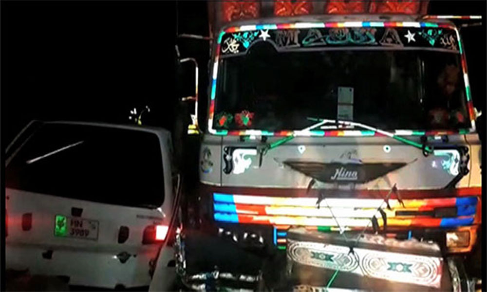 ڈی جی خان میں ٹرک اور کار میں تصادم ،4 افراد جاں بحق