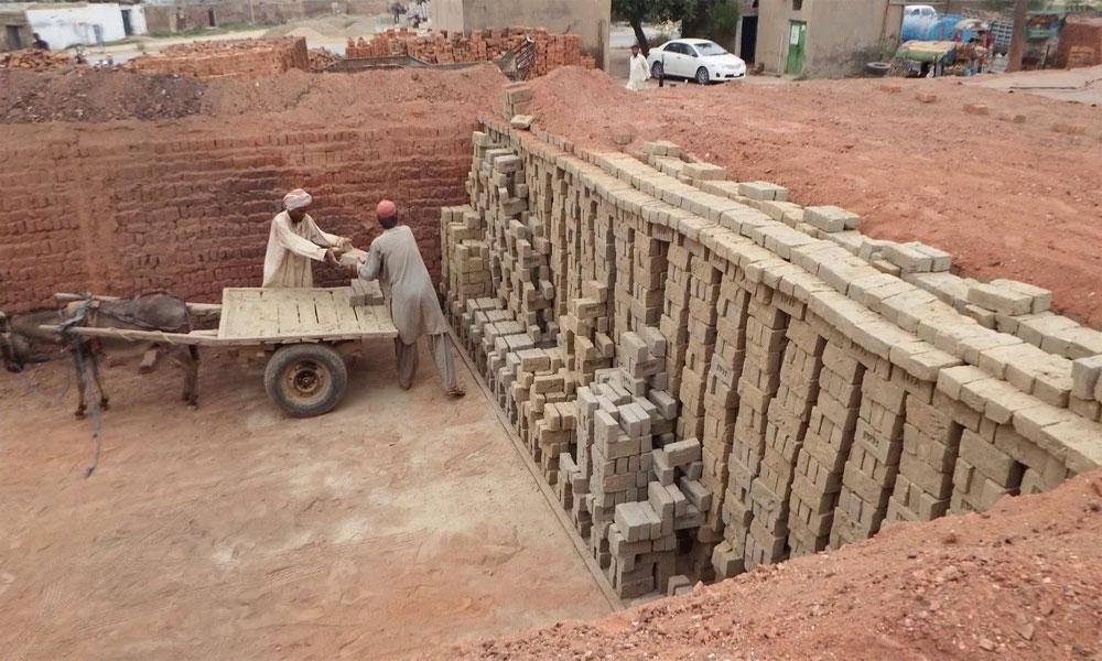 پنجاب: بھٹے بند، مزدور بیروزگار، اینٹوں کی قیمتیں آسمان پر