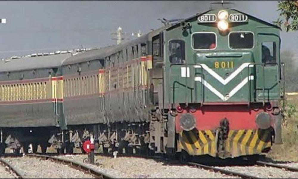 پہلی فریٹ ٹرین کراچی سے قصور پہنچ گئی