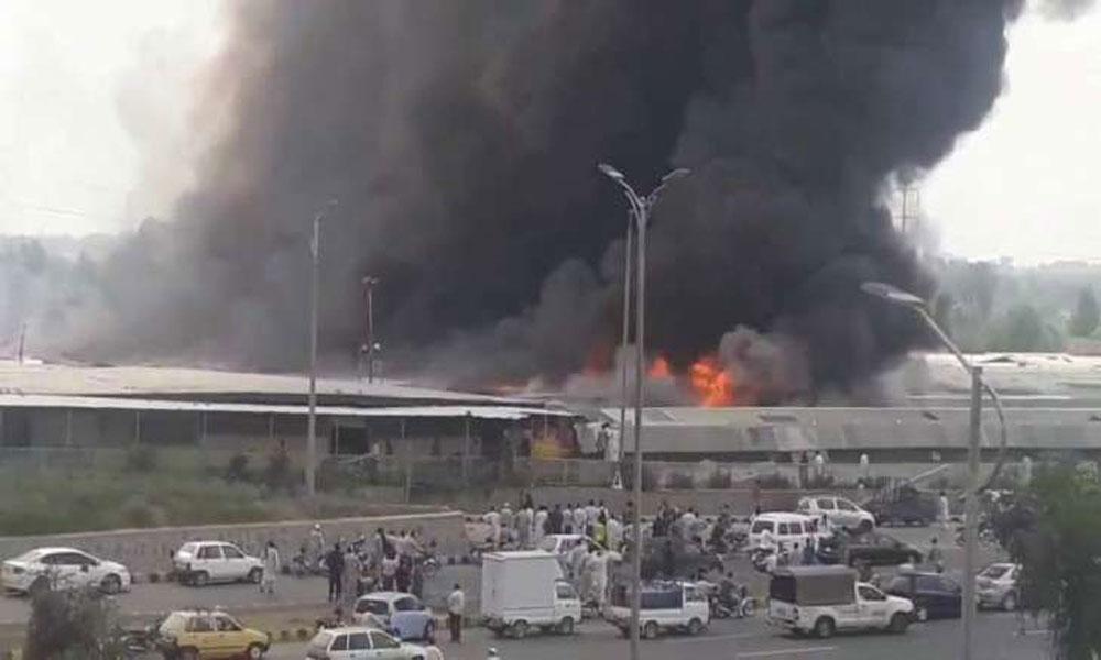 بہاولپور کے ماڈل بازار میں آگ لگ گئی