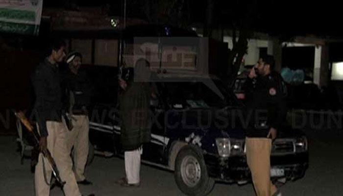 گوجرانوالا : مبینہ پولیس مقابلہ، ملزمان ساتھیوں کی فائرنگ سے ہلاک