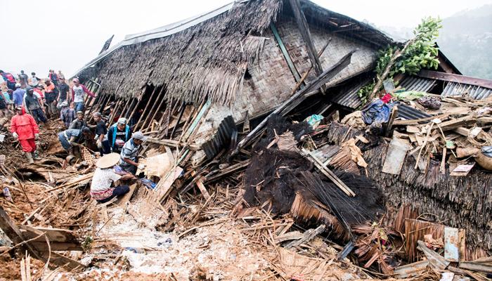 انڈونیشیا میں لینڈسلائیڈنگ سے 15افراد ہلاک