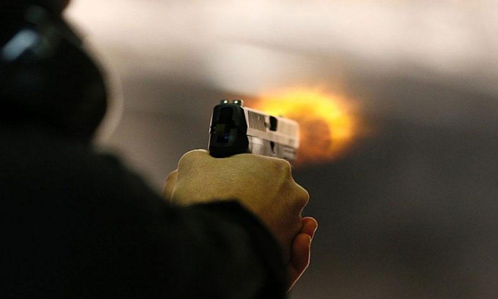 لاہور: سیشن کورٹ کے باہر فائرنگ، 1شخص زخمی