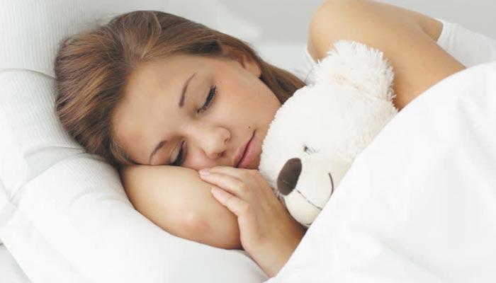صحت مند جلد کا راز نیند میں پنہاں ہے
