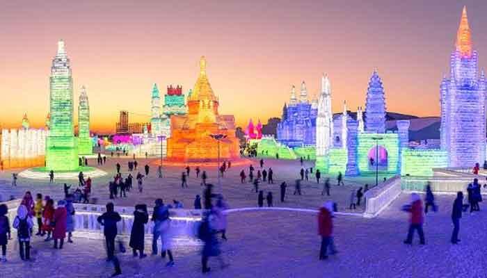 چین ، برف سے بنائے گئے خوبصورت مجسمے