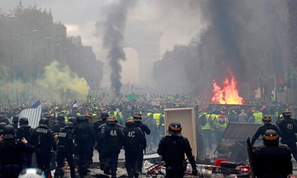 فرانس میں پولیس اور مظاہرین میں جھڑپیں