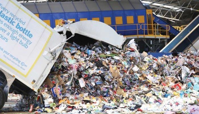 آلودہ فضلہ کی درآمد پر چین کی پابندی سے آسٹریلیا کچرے کا ڈھیر بن گیا