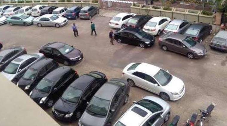 کراچی: غیر قانونی اور ڈبل پارکنگ ختم کرنیکا فیصلہ