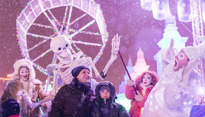 ماسکو آئس فیسٹیول میں برف کے مجسمے توجہ کا منظر