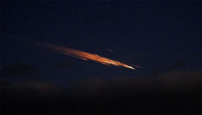 نیوزی لینڈ میں آسمان پر آگ کے گولے کا نظارہ