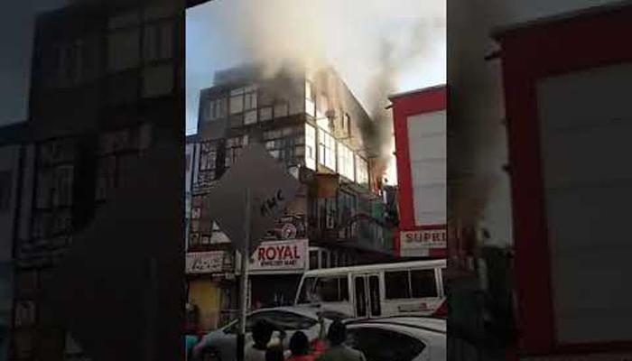 سری لنکا:پانچ منزلہ عمارت سے کودنے والا شخص محفوظ۔ رہا