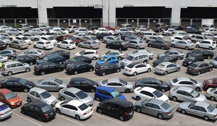 کار پارکنگ کا انوکھا طریقہ متعارف