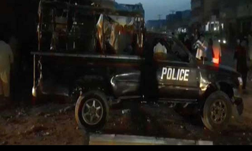 ڈیرہ اسماعیل خان، پولیس وین کے قریب دھماکا،2 اہلکار زخمی