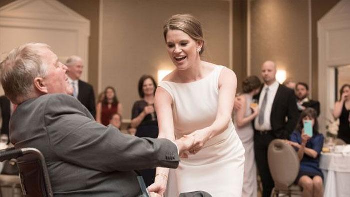 امریکی دلہن کا شادی کویادگار بنانے کیلئے انوکھا انداز