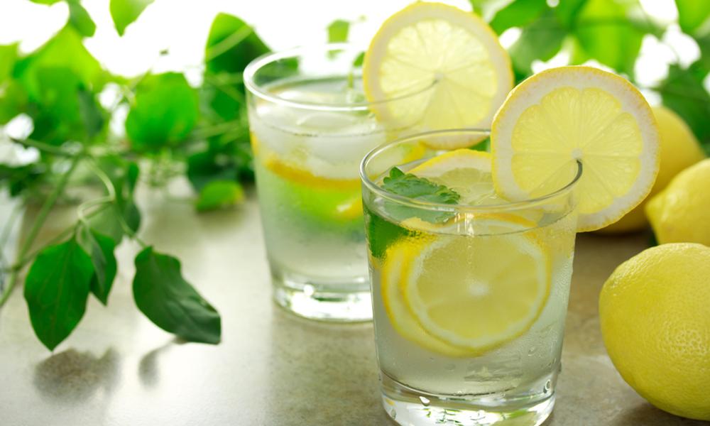 نہار منہ لیموں پانی پینے کے حیرت انگیر فوائد