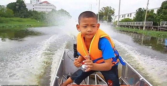 5 سالہ بچے نے ٹریفک سے بچنے کا حل نکال لیا
