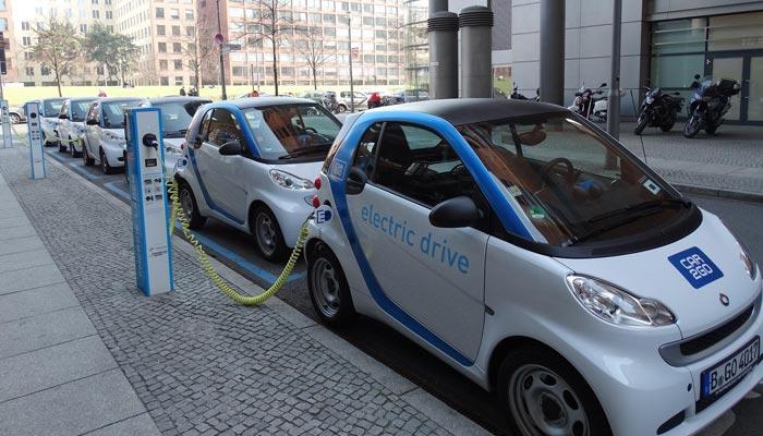 مستقبل صرف الیکٹرک کاروں کا ہے، چینی حکام
