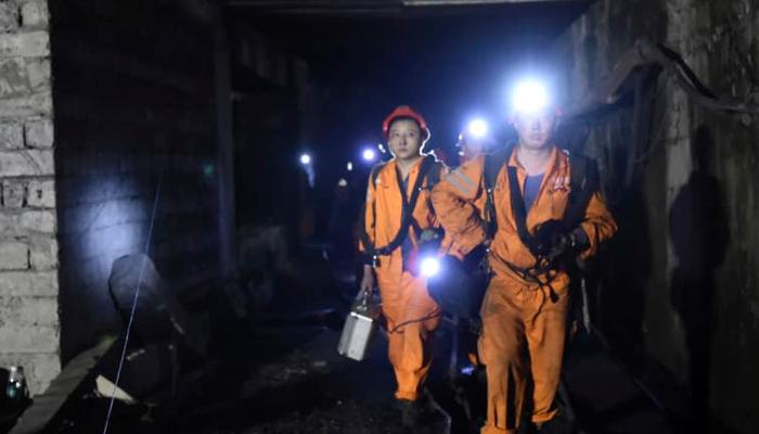 چین میں کوئلے کی کان بیٹھنے سے 21 کان کن ہلاک
