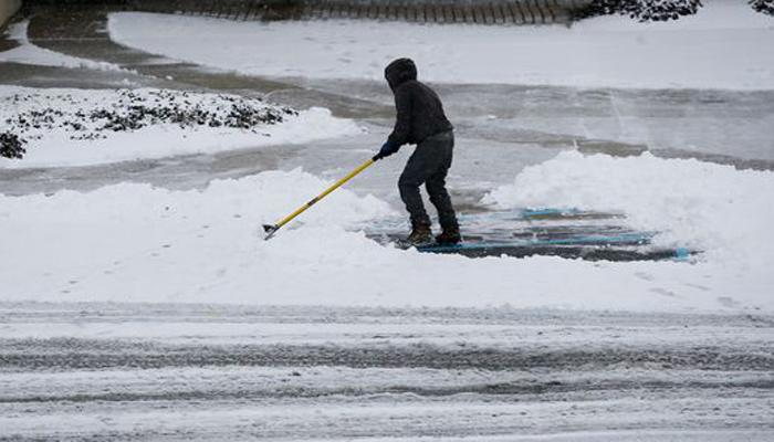 مختلف امریکی ریاستوں میں برفباری، حادثات میں پانچ افراد ہلاک