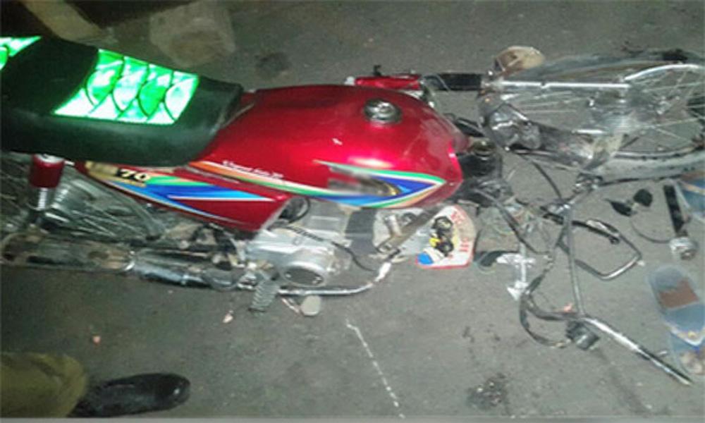 لاہور: حادثے میں موٹر سائیکل سوار خاتون اور بیٹا جاں بحق