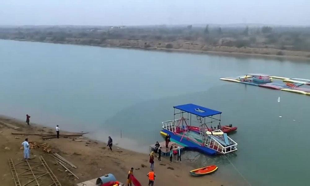 کراچی کا نیا تفریحی مقام 'ایکوا بیچ' کہاں ہے؟