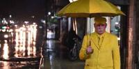 Yellowman Of Aleppo Has Been Wearing Only Yellow For 35 Years