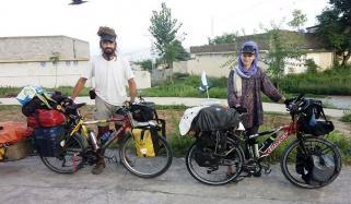 Cyclist Couple Of Check Republican Reached Karachi
