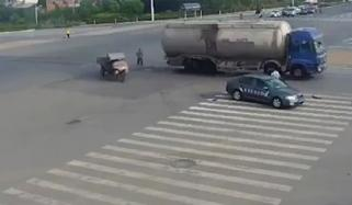 Tricycle Driver Gets Revenge