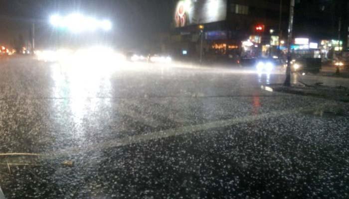 لاہور ،شیخوپورہ میں موسلا دھار بارش اور ژالہ باری