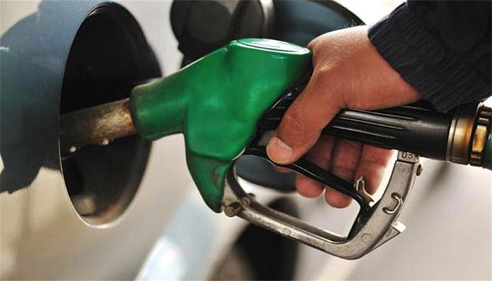 پٹرول کی فی لیٹر قیمت میں 59 پیسے کی کمی کی سفارش