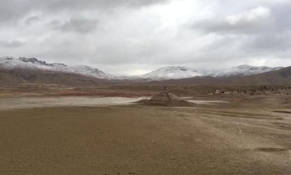 وادی کوئٹہ کی 'سلیپنگ بیوٹی' نے سفید پیرہن اوڑھ لیا
