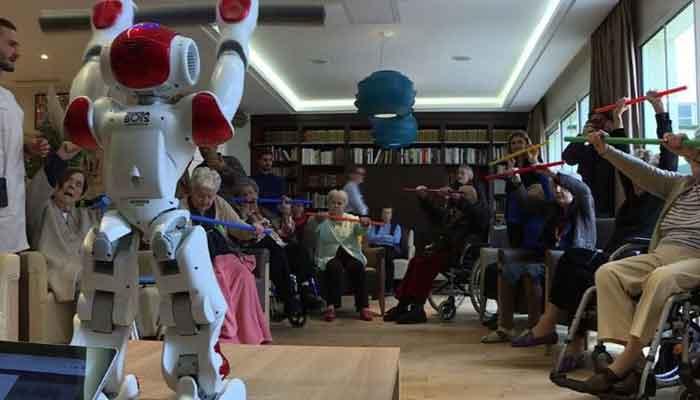 فرانس کے اولڈ ہوم میں روبوٹ متعارف
