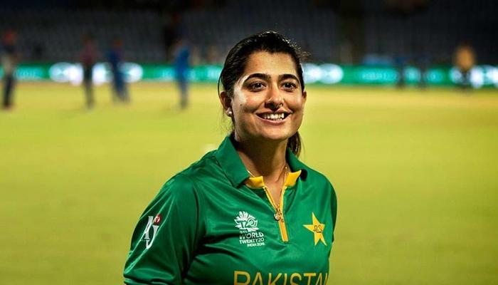 ثناءمیر100ٹی ٹوئنٹی کھیلنے والی پہلی ایشیائی خاتون بن گئیں