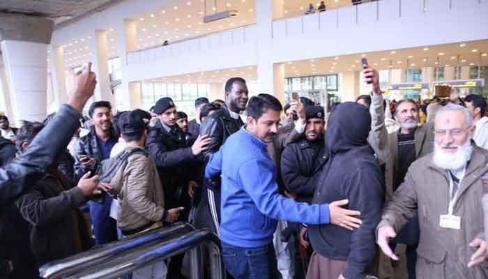 ڈیرن سیمی پاکستان پہنچ گئے