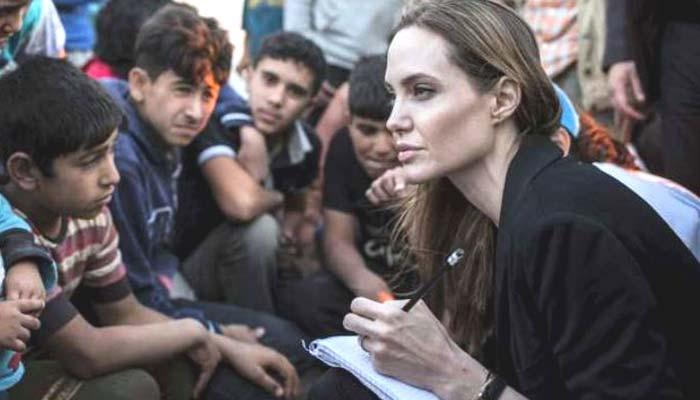 اینجلینا جولی کا روہنگیا مہاجرین کے کیمپ کا دورہ