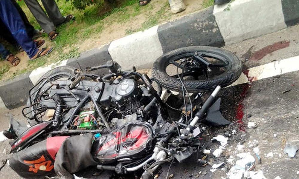ساہیوال میں ٹرالر کی ٹکر سے 2 طالب علم جاں بحق
