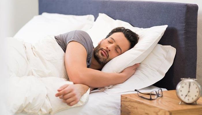 8 گھنٹے کی نیند