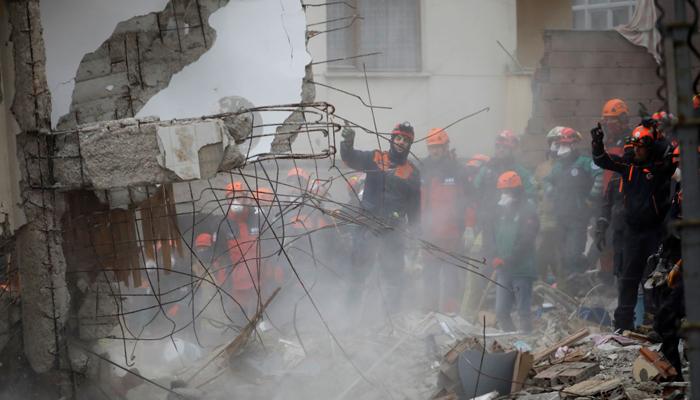 استنبول:بلند عمارت منہدم،18گھنٹے بعدکمسن زندہ بچی مل گئی