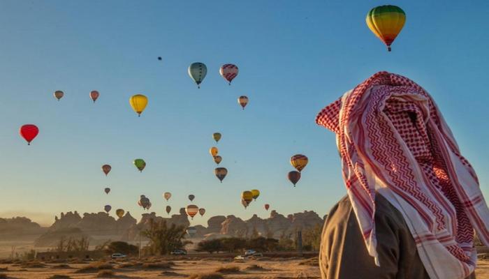 سعودی عرب میں ہاٹ ائیر بیلون فیسٹیول کا آغاز