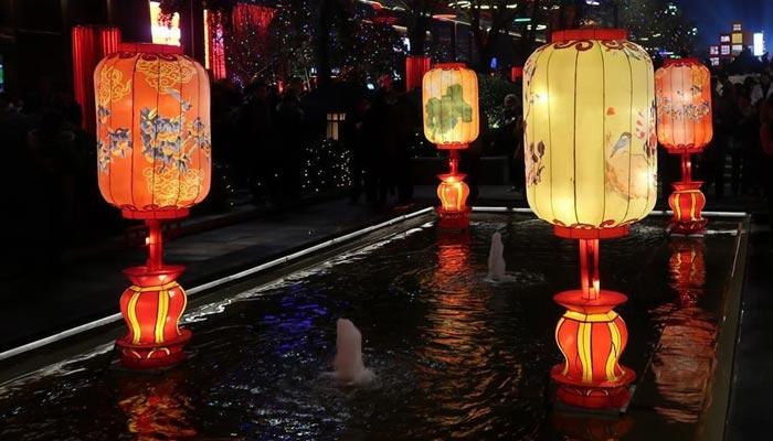 چین میں لالٹین فیسٹیول زوروشور سے جاری