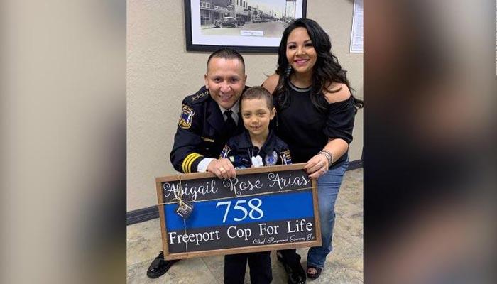ٹیکساس پولیس نے کینسر میں مبتلا بچی کی خواہش پوری کردی