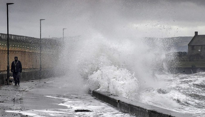 برطانیہ میں طوفان 'ایرک' نے تباہی مچا دی