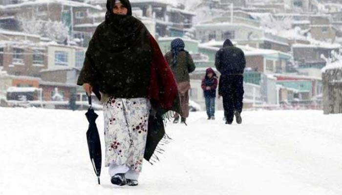 ملک بھر میں سردی کی لہر برقرار،بلوچستان میں برفباری کی پیش گوئی