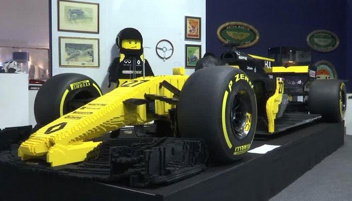 پیرس:3لاکھ لیگو برکس سے بنی فارمولا ون کار1لاکھ ڈالر میں نیلام