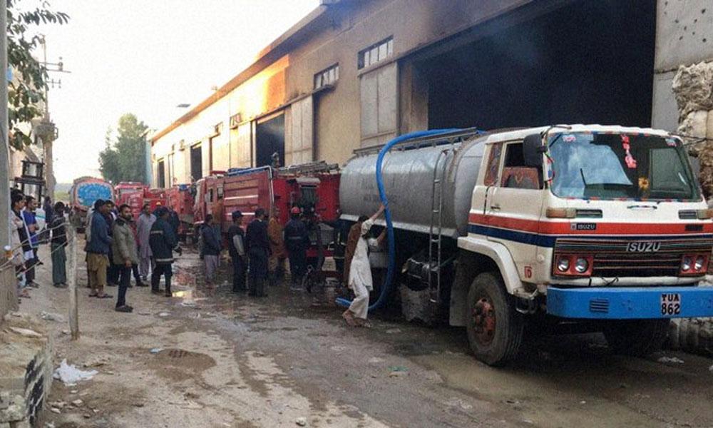 کراچی: روئی کے گودام کی آگ بجھا دی گئی