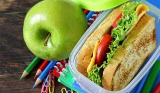 How Plastic Lunch Boxes And Aluminium Foil Are Harming Kids Health